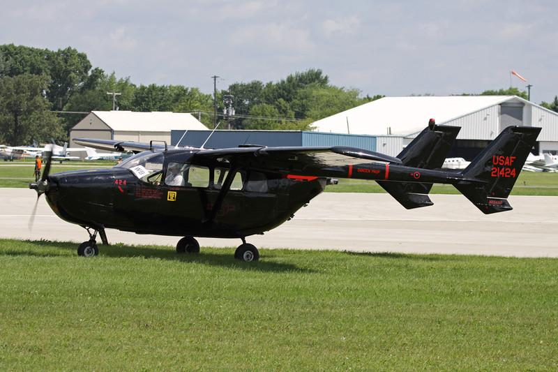 N424AF (21424) Cessna O-2A Super Skymaster c/n 337M-0130 Oshkosh/KOSH/OSH 28-07-10
