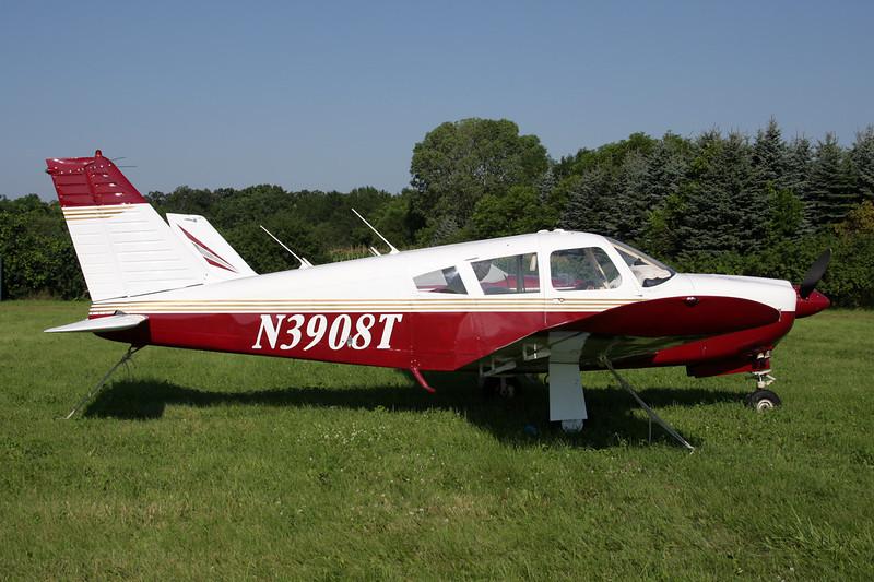 N3908T Piper PA-28R-180 Cherokee Arrow c/n 28R-30243 Oshkosh/KOSH/OSH 29-07-10