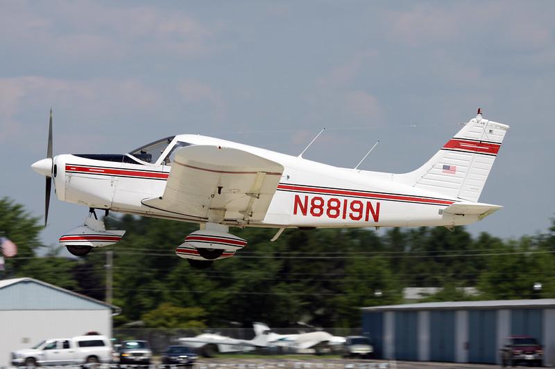 N8819N Piper PA-28-140 Cherokee B c/n 28-25666 Oshkosh/KOSH/OSH 29-07-10