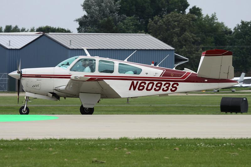 N6093S Beech V35B Bonanza c/n D-9826 Oshkosh/KOSH/OSH 27-07-10