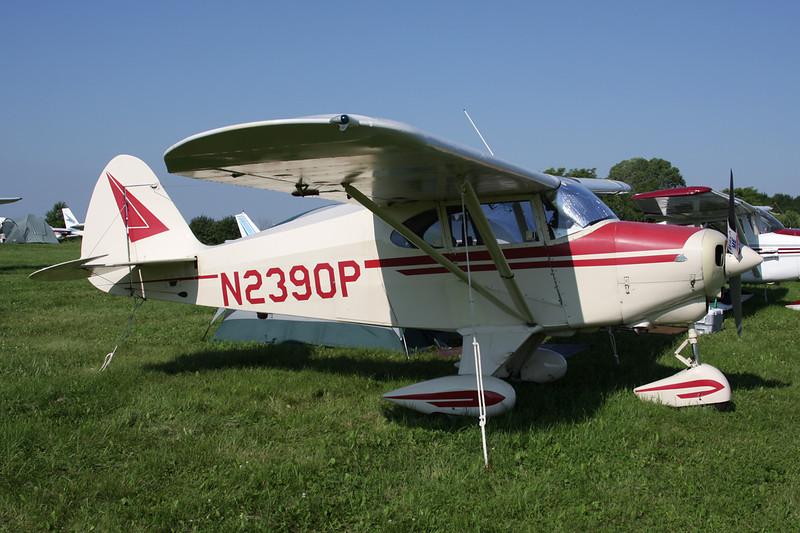 N2390P Piper PA-22-150 Tri-Pacer c/n 22-2781 Oshkosh/KOSH/OSH 29-07-10