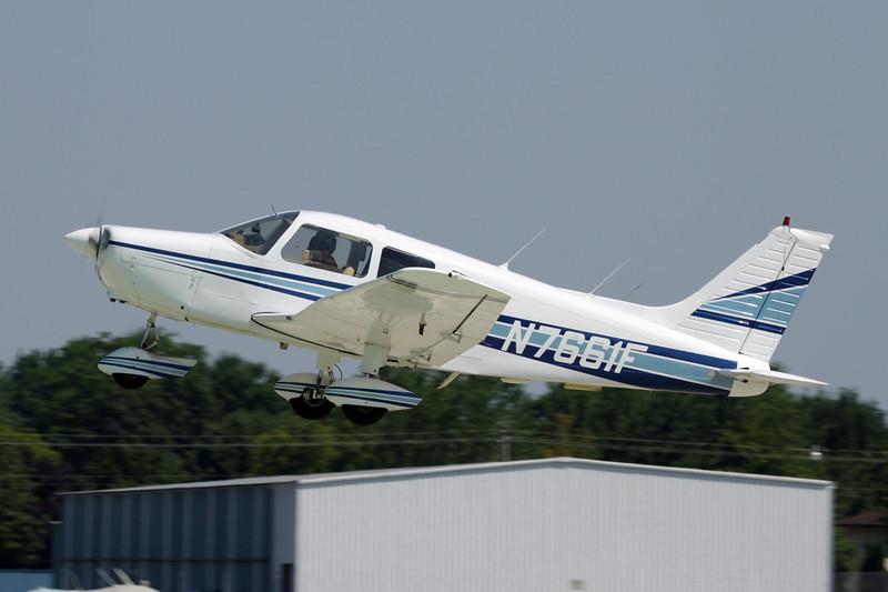 N7661F Piper PA-28-151 Warrior c/n 28-7715229 Oshkosh/KOSH/OSH 29-07-10