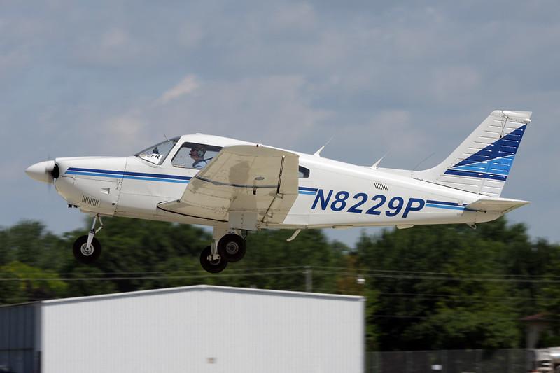 N8229P Piper PA-28-161 Archer II c/n 28-8090330 Oshkosh/KOSH/OSH 28-07-10