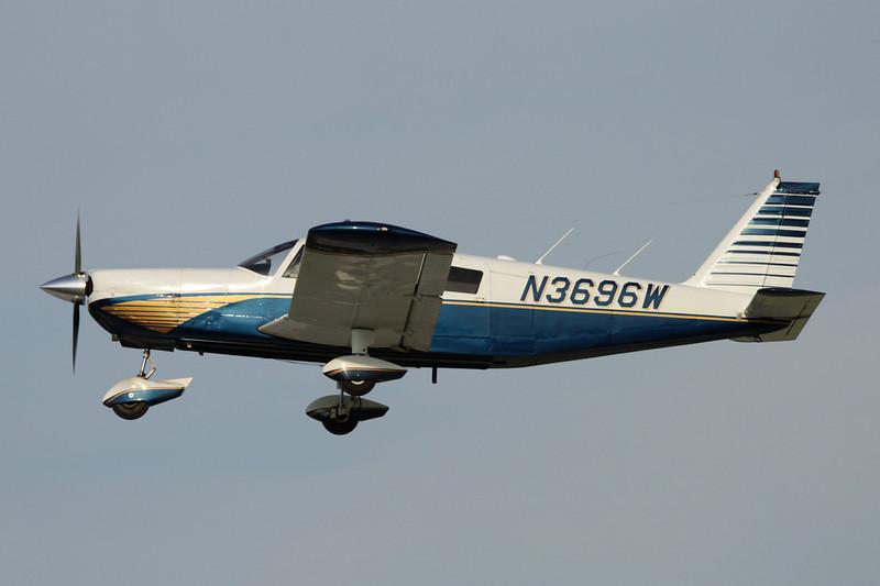 N3696W Piper PA-32-260 Cherokee Six c/n 32-608 Oshkosh/KOSH/OSH 29-07-10