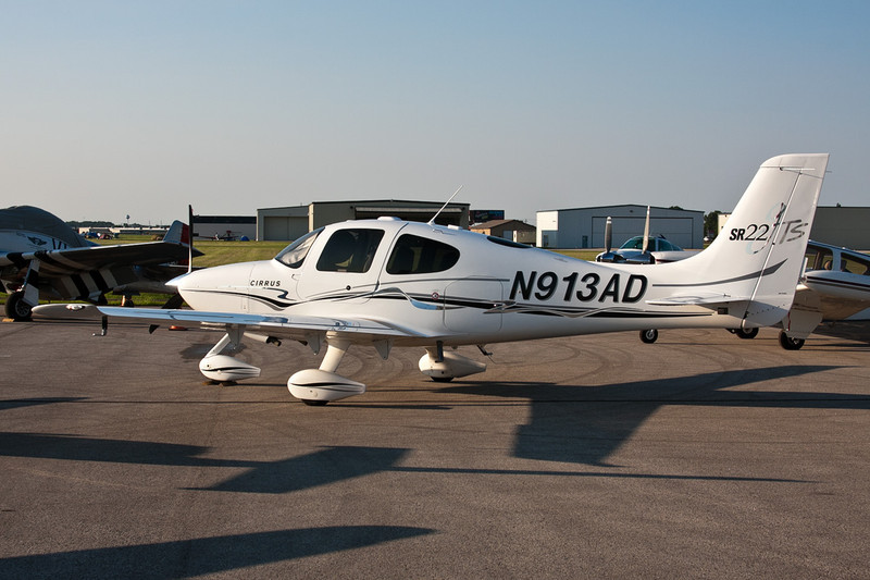 N913AD Cirrus Design SR-22 c/n 1520 Fond-du-Lac/KFLD/FLD 25-07-10