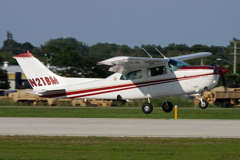 N21BM Cessna 210M Centurion c/n 210-61941 Oshkosh/KOSH/OSH 26-07-10