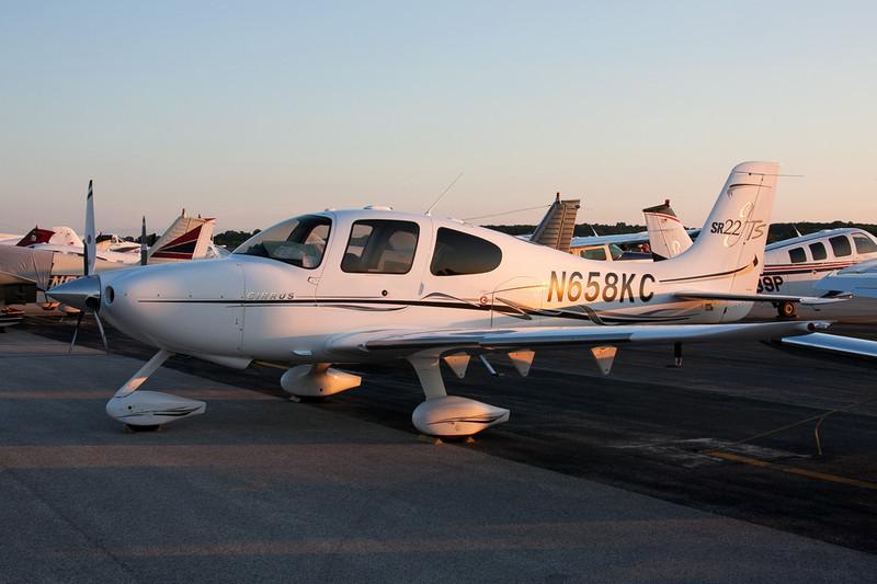 N658KC Cirrus Design SR-22 c/n 1841 Fond du Lac/KFLD/FLD 25-07-10