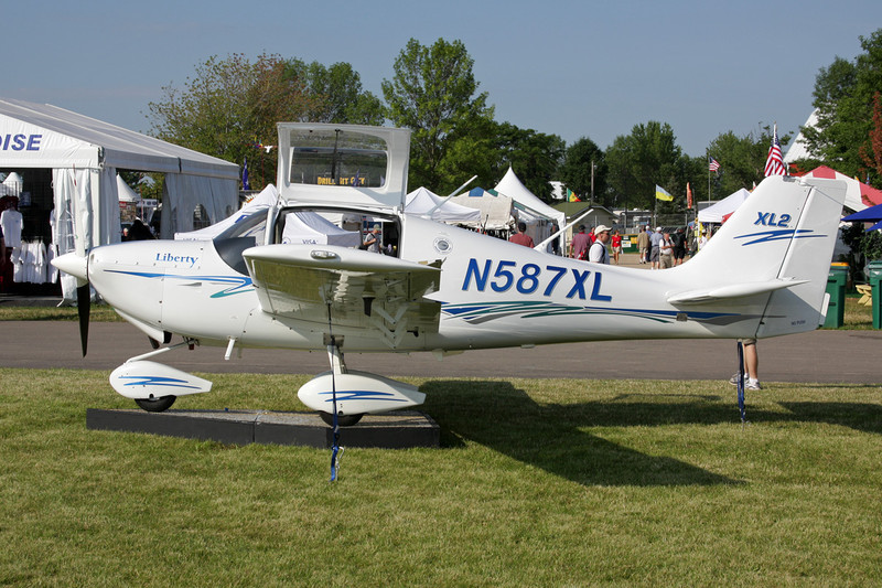 N587XL Liberty XL-2 c/n 0071 Oshkosh/KOSH/OSH 27-07-10