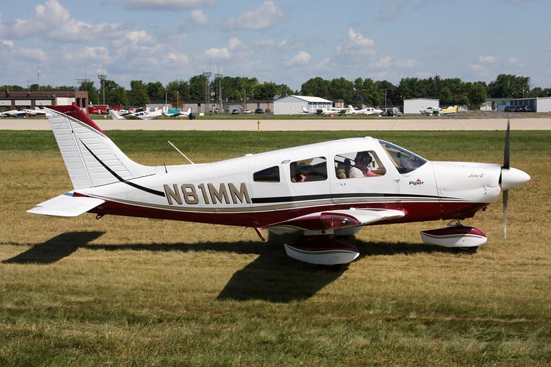 N81MM Piper PA-28-181 Archer II c/n 28-8090332 Oshkosh/KOSH/OSH 01-08-13