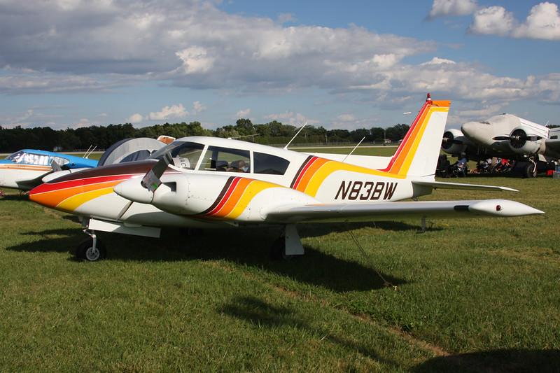 N83BW Piper PA-30-160 Twin Comanche c/n 30-888 Oshkosh/KOSH/OSH 01-08-13