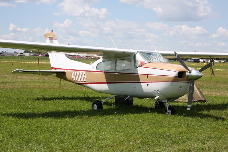 N10DB Cessna 210M Centurion c/n 210-62016 Oshkosh/KOSH/OSH 01-08-13