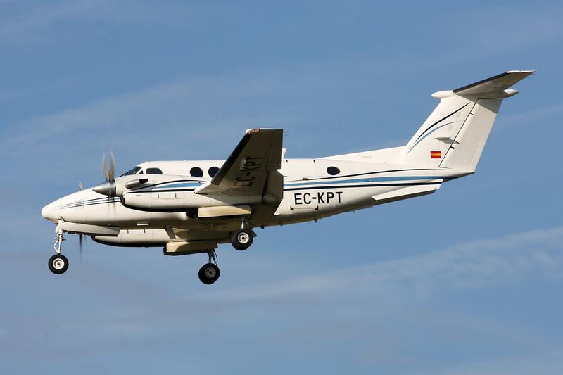EC-KPT Beech 200 Super King Air c/n BB-753 Paris-Le Bourget/LFPB/LBG 01-10-14