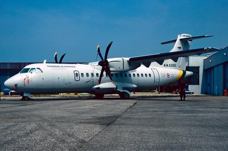 """MM62165 (GF-13) Aerospatiale ATR-42-400MP """"Guardia di Finanzia"""" c/n 500 Pratica di Mare/LIRE 24-05-98 (35mm slide)"""