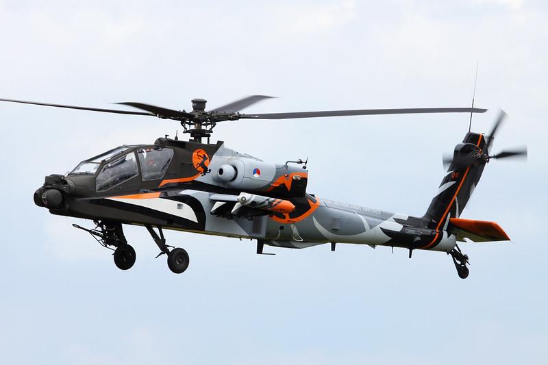 """Q-17 McDonnell-Douglas Helicopters NAH-64D Apache """"Royal Netherlands Air Force"""" c/n DN17 Gilze-Rijen/EHGR 20-06-14"""