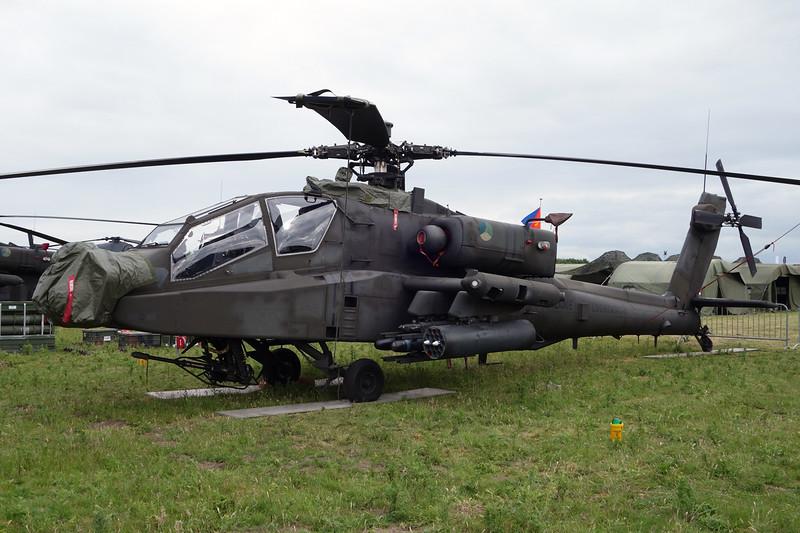 "Q-26 McD-D Helicopters NAH-64D Apache ""Royal Netherlands Air Force"" c/n DN26 Gilze-Rijen/EHGR 20-06-14"