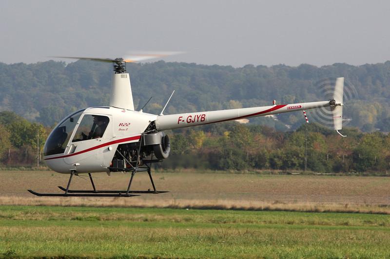 F-GJYB Robinson R-22 Beta II c/n 3021 St.Cyr l'Ecole/LFPZ 10-10-10