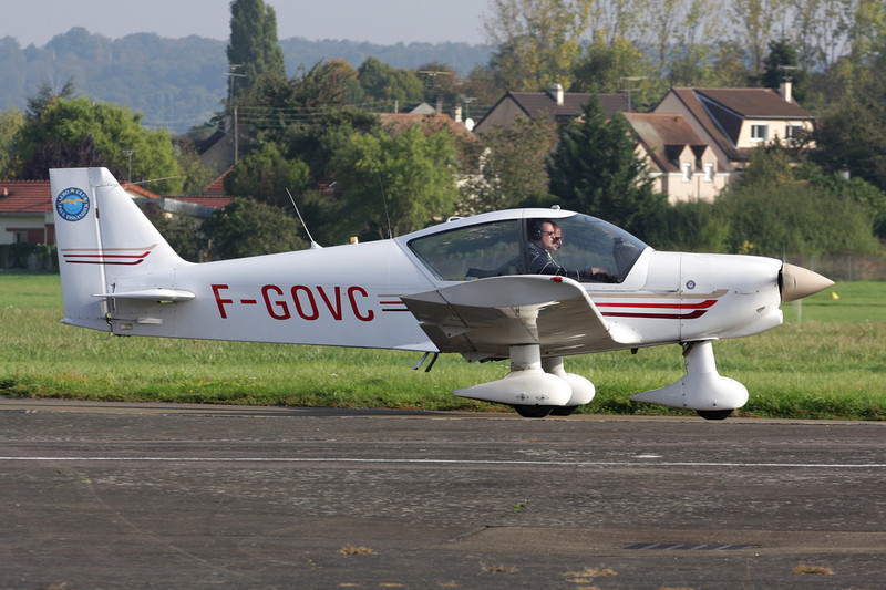 F-GOVC Robin HR.200-120B Ecole c/n 297 St.Cyr l'Ecole/LFPZ 10-10-10