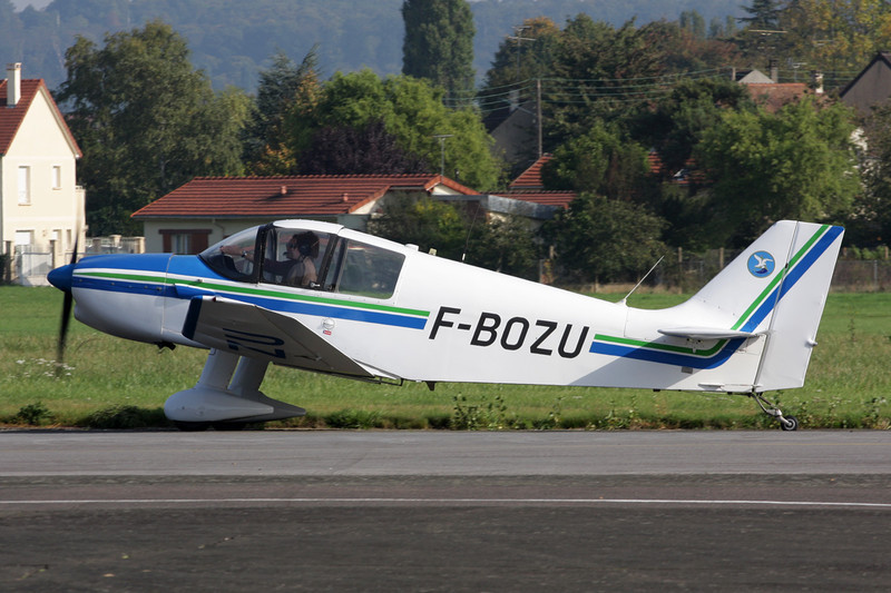 F-BOZU Centre-Est DR.221 Dauphin c/n 76 St.Cyr L'Ecole/LFPZ 10-10-10