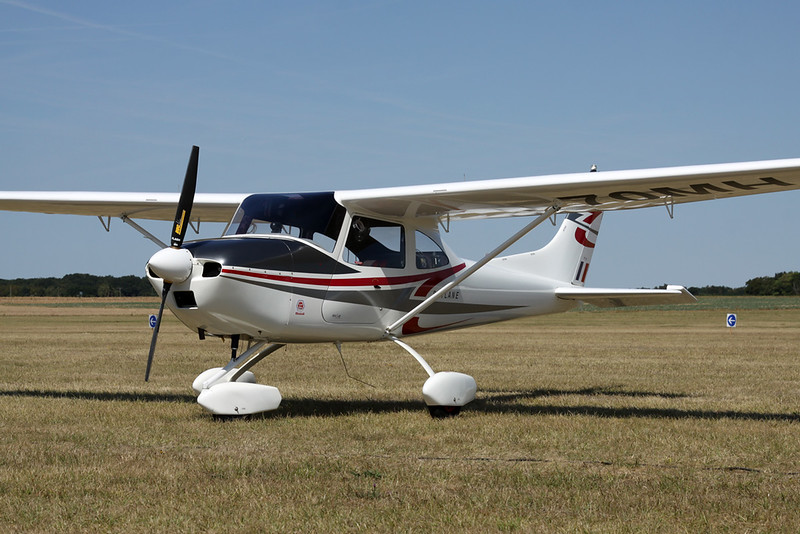 70-MH (F-JAUJ) AirLony Skyranger c/n 91 Blois/LFOQ/XBQ 02-09-18