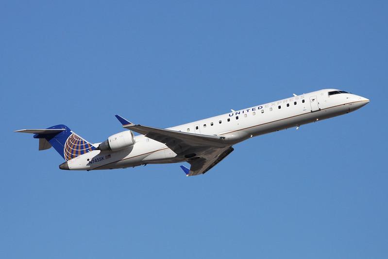 N745SK Canadair Regional-Jet 700 c/n 10201 Phoenix-Sky Harbor/KPHX/PHX 15-11-16
