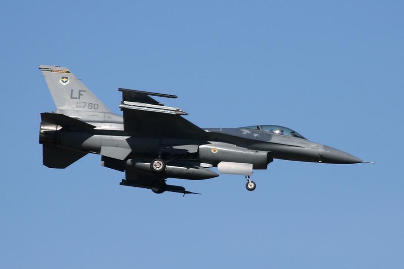 """90-0760 (LF) General Dynamics F-16CG Fighting Falcon """"United States Air Force"""" c/n 1C-368 Luke/KLUF/LUF 31-01-18"""