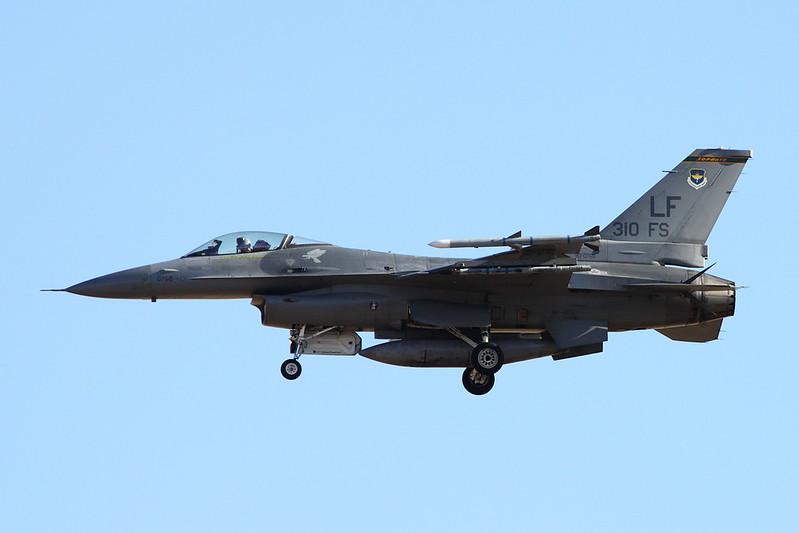 """90-0768 (LF) General Dynamics F-16CG Fighting Falcon """"United States Air Force"""" c/n 1C-376 Luke/KLUF/LUF 15-11-16"""