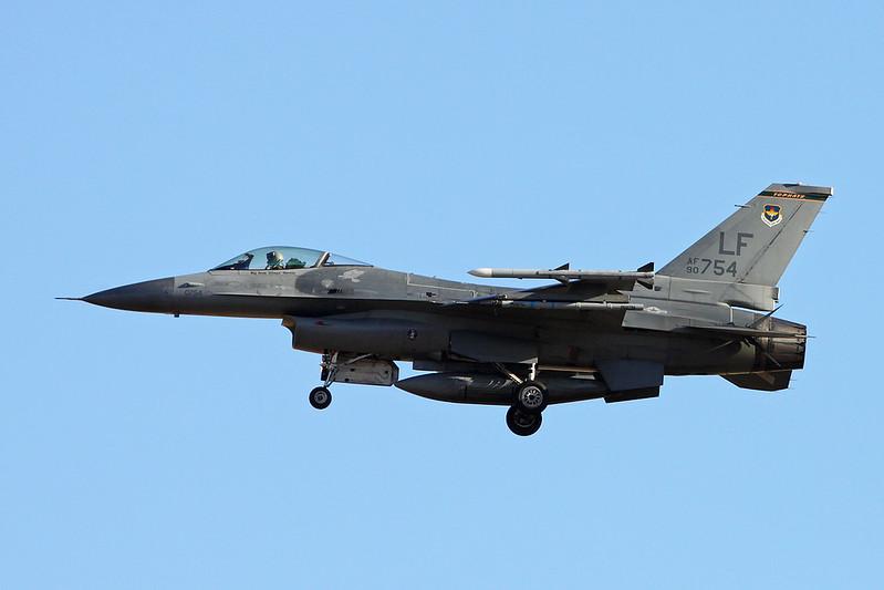 """90-0754 (LF) General Dynamics F-16CG Fighting Falcon """"United States Air Force"""" c/n 1C-362 Luke/KLUF/LUF 15-11-16"""