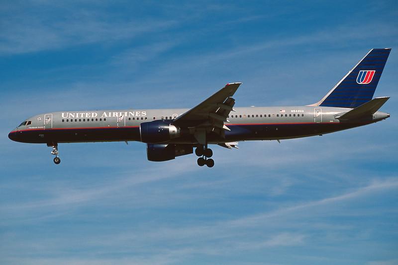 N544UA Boeing 757-222 c/n 25322 Los Angeles/KLAX/LAX 08-03-04 (35mm slide)