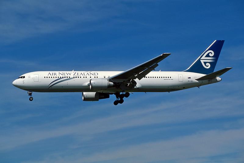 ZK-NCL Boeing 767-319ER c/n 28745 Los Angeles/KLAX/LAX 08-03-04 (35mm slide)