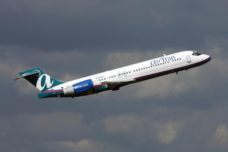 """N942AT Boeing 717-2BD """"AirTran Airways"""" c/n 55005 Fort Lauderdale-International/KFLL/FLL 06-12-08"""