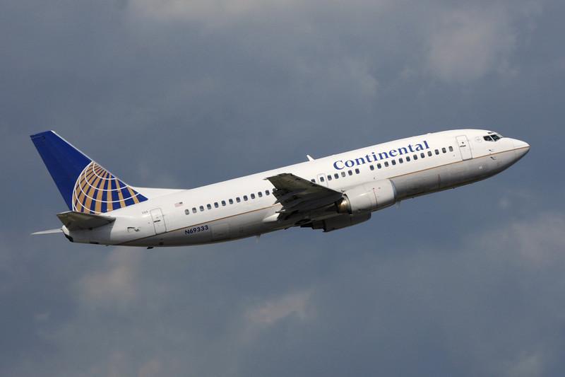N69333 Boeing 737-3T0 c/n 23571 Fort Lauderdale-International/KFLL/FLL 06-12-08