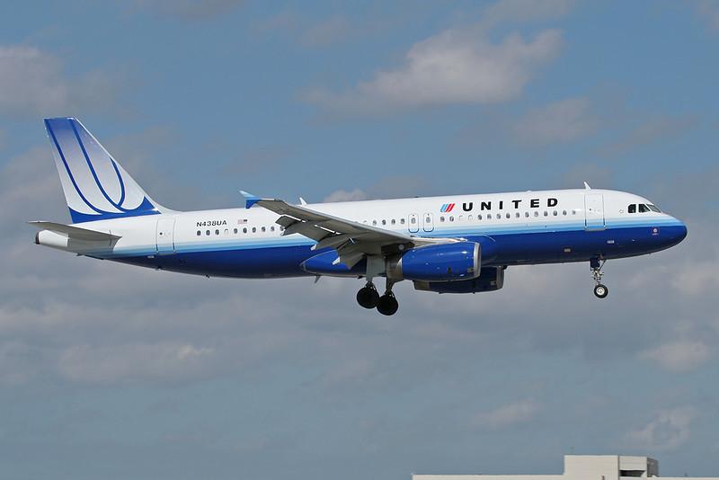 N438UA Airbus A320-232 c/n 0678 Miami/KMIA/MIA 04-12-08