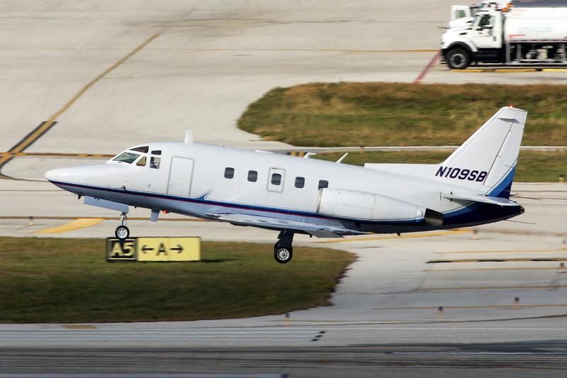 N109SB Rockwell Sabreliner 75A c/n 380-20 Fort Lauderdale-International/KFLL/FLL 06-12-08
