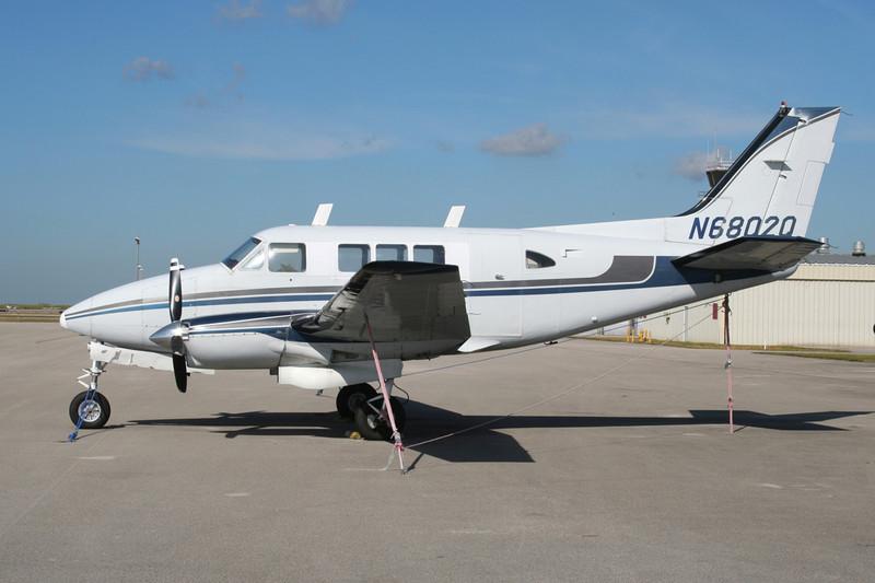 N6802Q Beech 65-80 Queen Air c/n LD-29 Tamiami/KTMB/TMB 05-12-08