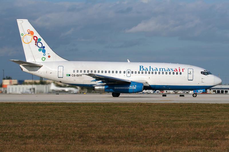 """C6-BFM Boeing 737-2K5 """"Bahamasair"""" Miami/KMIA/MIA 04-12-08"""