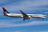 N828MH Boeing 767-432ER c/n 29699 Las Vegas/KLAS/LAS 10-03-04 (35mm slide)