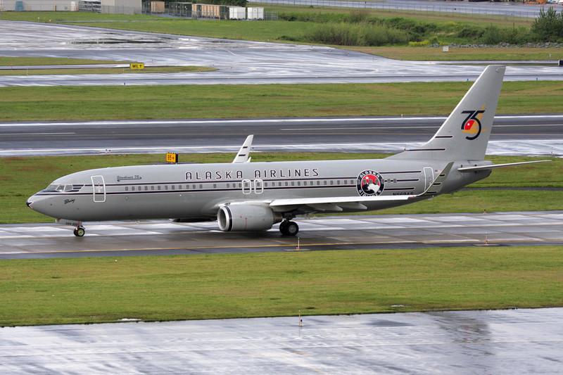 "N569AS Boeing 737-890 c/n 35184 Portland-International/KPDX/PDX 12-05-09 ""75th Anniversary"""