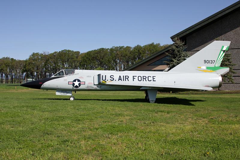 59-0137 Convair F-106A Delta Dart c/n 8-31-26 McMinnville/KMMV 09-05-09
