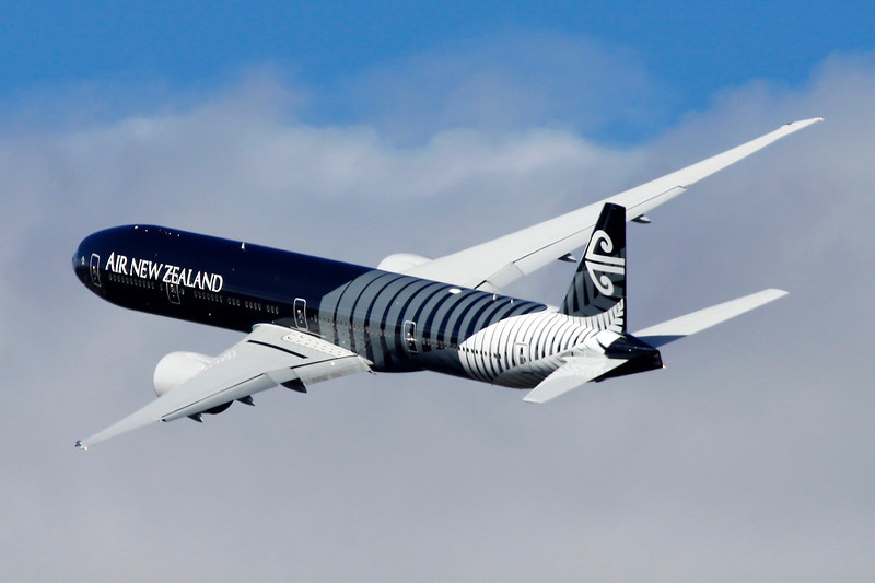 "ZK-OKQ Boeing 777-319ER c/n 40689 Wanaka/NZWF/WKA 08-04-12 ""All Blacks"""