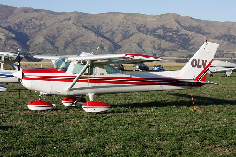 ZK-OLV Cessna 152 c/n 152-84375 Wanaka/NZWF/WKA 06-04-12