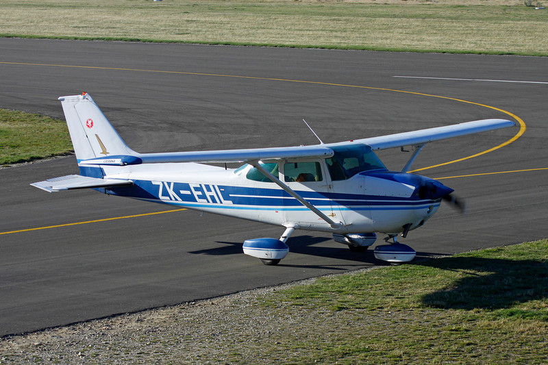 ZK-EHL Cessna 172N c/n 172-70761 Wanaka/NZWF/WKA 07-04-12