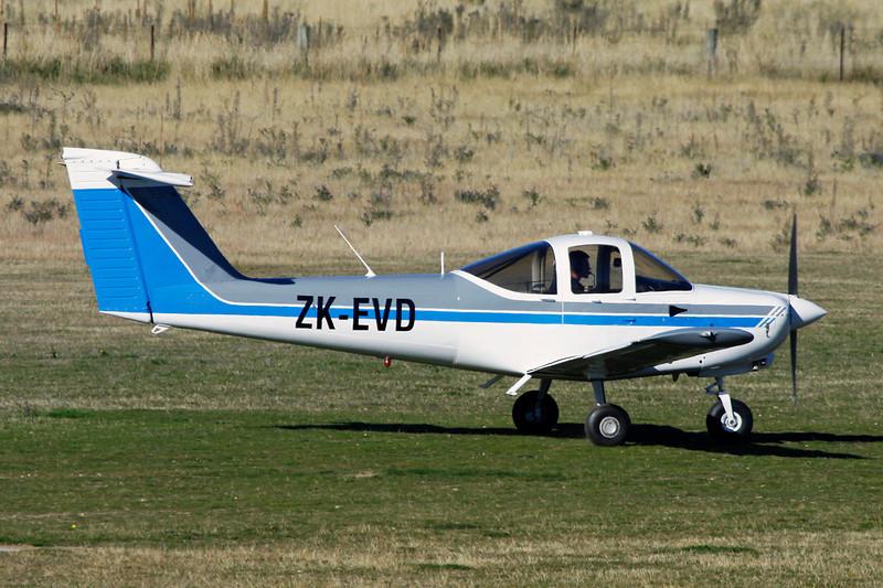 ZK-EVD Piper PA-38-112 Tomahawk c/n 38-82A0070 Wanaka/NZWF/WKA 06-04-12