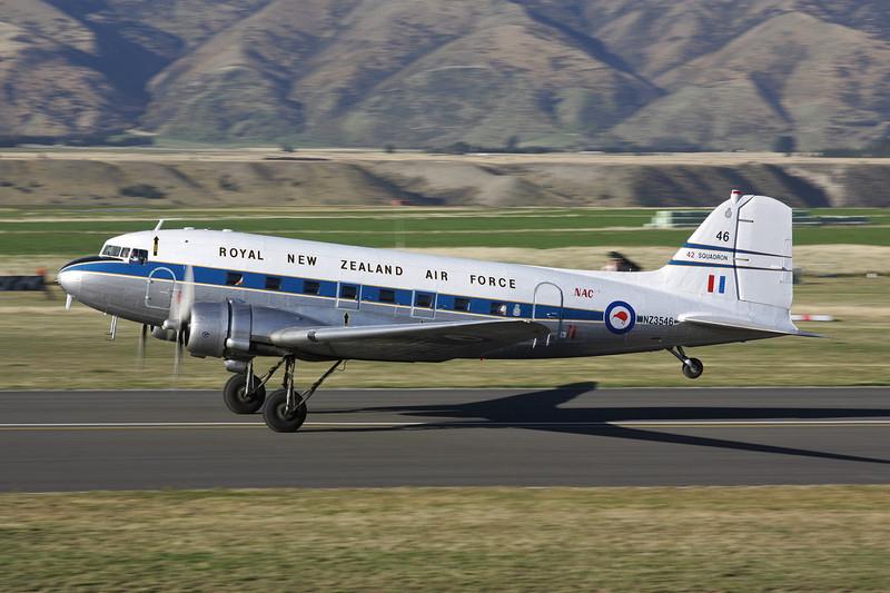 """ZK-DAK (NZ3546/46) Douglas DC-3 C-47B-10-DK """"New Zealand Warbirds"""" c/n 105035 Wanaka/NZWF/WKA 07-04-12"""