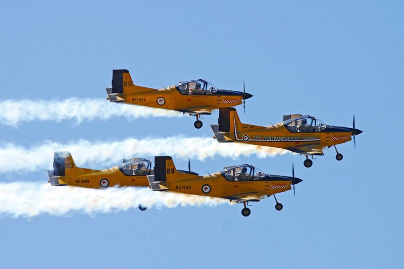 """NZ1988 (88) Pacific Aerospace CT/4E Airtrainer """"Royal New Zealand Air Force"""" c/n 203 Wanaka/NZWF/WKA 07-04-12 """"Red Checkers"""" (in formation with NZ1986, NZ1993 & NZ1994)"""