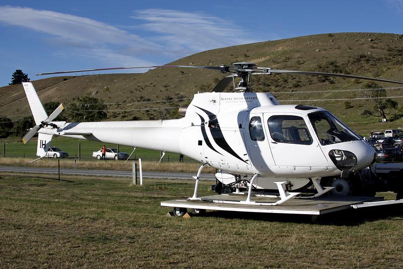 ZK-HIH Aerospatiale AS.350BA Ecureuil c/n 1723 Wanaka/NZWF/WKA 08-04-12
