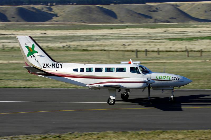 ZK-NDY Cessna 404 Titan c/n 404-0693 Wanaka/NZWF/WKA 07-04-12