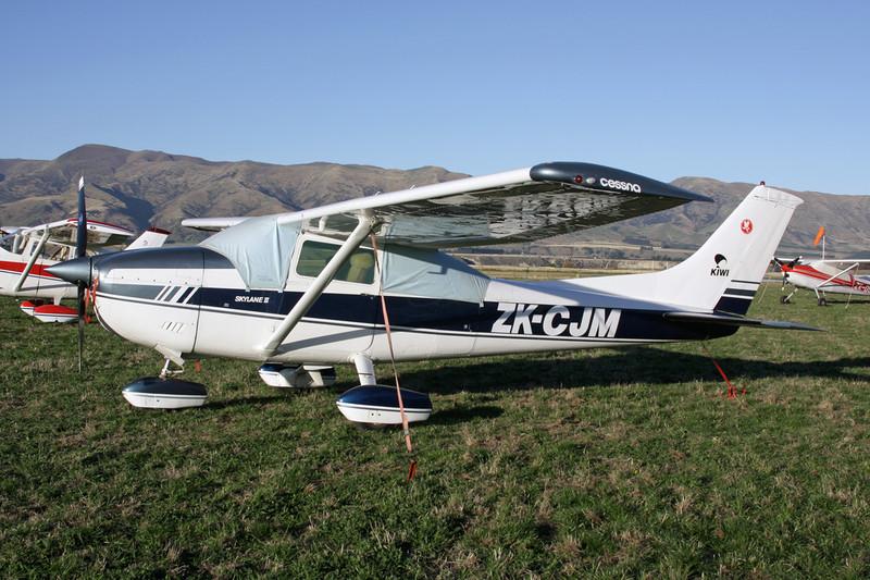 ZK-CJM Cessna 182Q c/n 182-65402 Wanaka/NZWF/WKA 06-04-12
