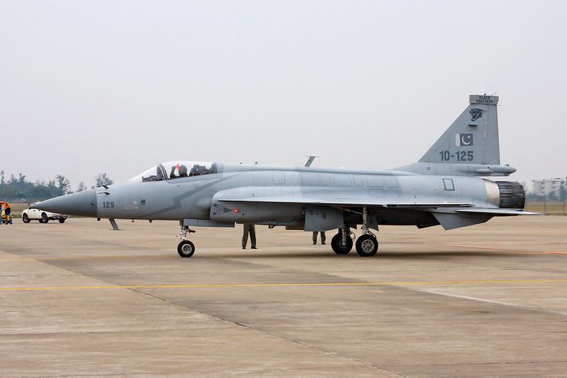 "10-125 (125) Chengdu JF-17 ""Pakistan Air Force"" c/n FC10117 125Zhuhai/ZGSD/ZUH 17-11-12"