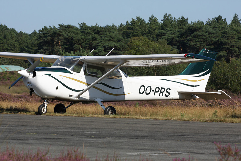 OO-PRS Reims-Cessna F.172M c/n 1044 Zoersel/EBZR 18-08-12
