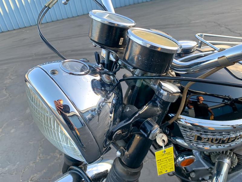 Triumph Bonneville -  (23)